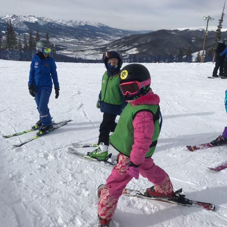 הקטנה פעם ראשונה בסקי